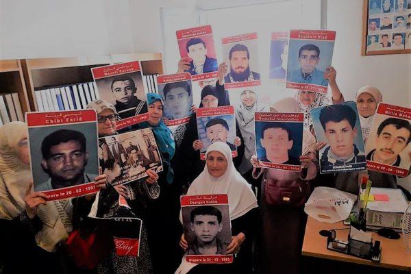 Collectif des Familles de disparus en Algérie — Algérie : protestation contre la charte pour la paix et la réconciliation nationale